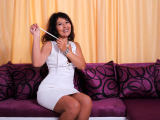 EroticSelena - Live cam x with a shaved genital area Mature