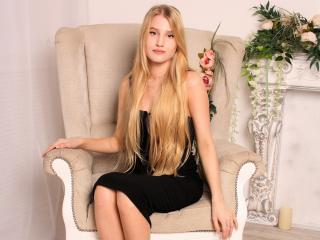 GoldenFlower - Sexy live show with sex cam on XloveCam®