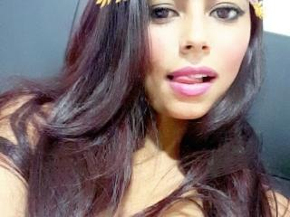 MartinaLogan - Live chat exciting with this latin american Hot lady