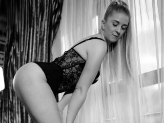 KaryneBliss - Show sexy et webcam hard sex en direct sur XloveCam®