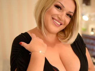 NaomiSensuel - Chat live xXx with a White Lady