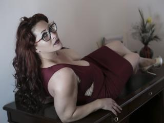 HairySonia - online chat sex with a average body MILF