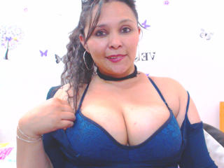 ThabathaHot - chat online xXx with a Girl with big boobs