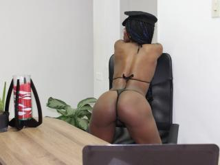 SandyChaudeX - Live chat x with a black hair College hotties