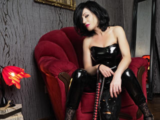 MistressTaylor - Live chat porn with this being from Europe Dominatrix
