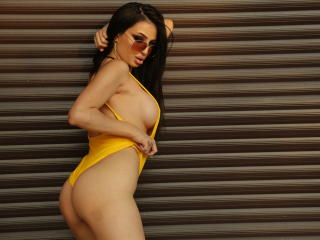 JuliJoy - Sexy live show with sex cam on XloveCam®