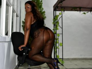 EbonyQueenLatina - Show live hot with a Sweater Stretchers Hot chicks