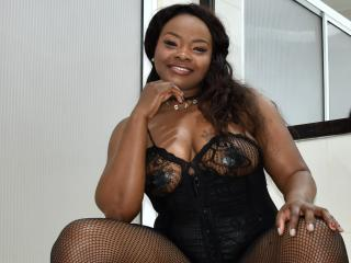 EbonyQueenLatina - Live chat hot with this enormous melon Hot chicks