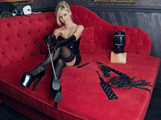 AlissaSinner - Sexy live show with sex cam on XloveCam®