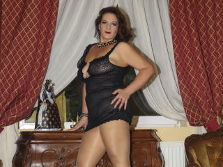 YourDreamMilf - Video chat exciting with this European Young lady