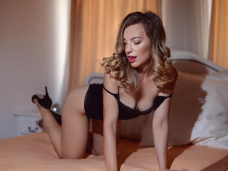 AdaraLorete - Sexy live show with sex cam on XloveCam®
