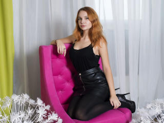 VeronicaFox exotic girl chat on webcam