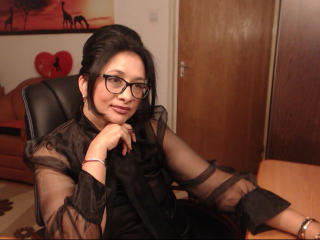 CuteKittyforLove - Live cam hard with a dark hair MILF