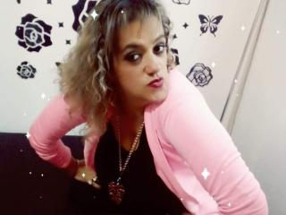 SilvanaTits - Sexy live show with sex cam on XloveCam®