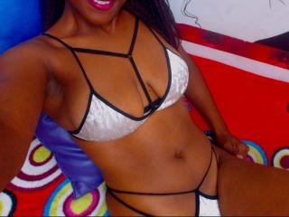 BlackSoHorny hot teen girl on webcam