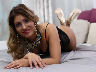 ClaireDaniells - chat online x with this shaved pussy Sexy girl