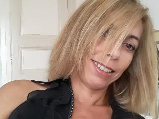 PerleDuSud - online show sex with this White Hot lady