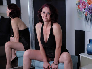 BrendaBelleForYou - Chat cam sex with a average boob MILF