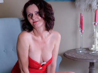 BrendaBelleForYou - online show porn with this Lady over 35 with standard titties