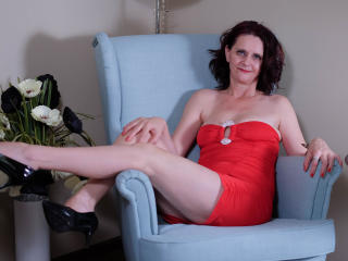 BrendaBelleForYou - Show live hard with a shaved sexual organ Sexy mother