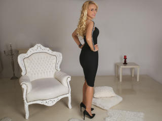 LovelyKassandra - Sexy live show with sex cam on XloveCam®