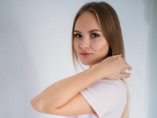 LensaKiss body on webcam