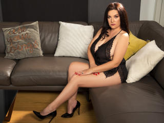 WantedNicole - Live cam sexy with a brown hair Mature