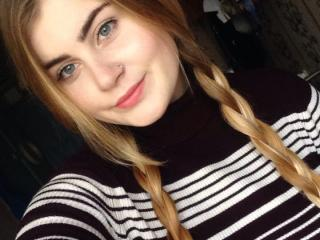 IreneHappy teen girl chat on cam