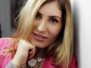 ClaireDaniells - Webcam live xXx with this shaved genital area Sexy girl