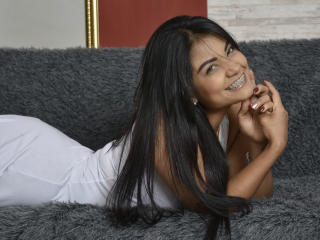 VioletaYoel - Live chat exciting with this shaved intimate parts 18+ teen woman