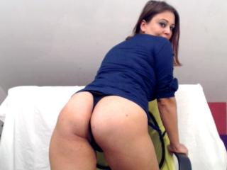 KissAndTits - Chat hard with this shaved pussy Sexy girl