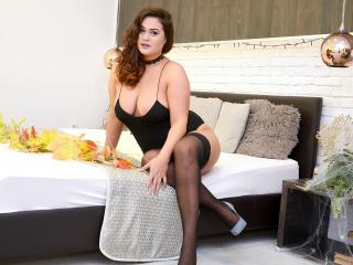 LauraHazel - Sexy live show with sex cam on XloveCam®