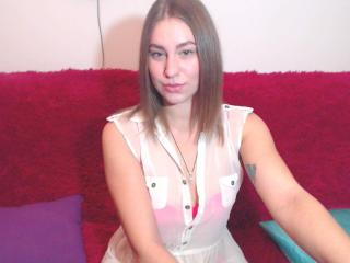CherryCherry girl masturbating live on webcam