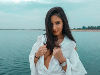 GSarah - Webcam live exciting with a White Young lady