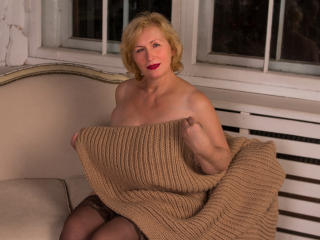 HotGiantPleasure - Chat x with this being from Europe Lady over 35