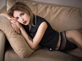 AmyYammy - Sexy live show with sex cam on XloveCam®