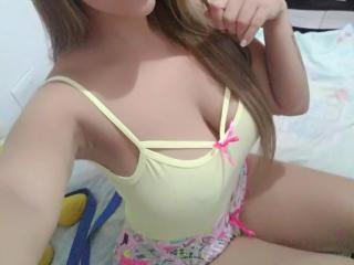BonnyNaughty - Chat cam hot with a regular body Lady