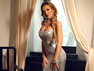 AmazingAnnabelle - Live chat sexy with this White Sexy babes