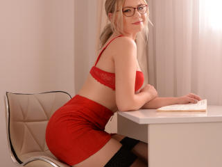 GraceGylly - Sexy live show with sex cam on XloveCam®