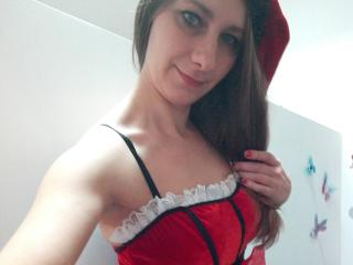 LorennaXHot - Live cam xXx with this European Lady over 35