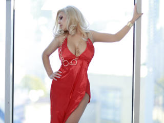 OneChic - Chat live hard with this huge knockers Young and sexy lady