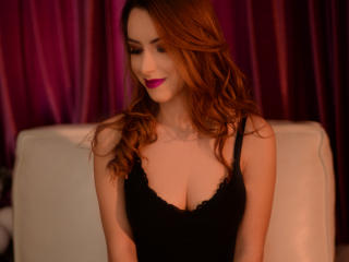 LucineAllison - Chat live xXx with this shaved private part Hot chicks
