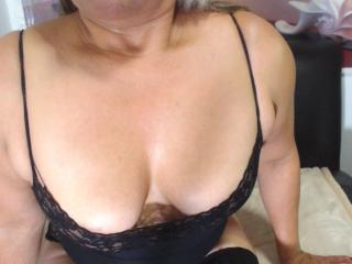 DesireMature - online show exciting with a shaved private part Lady over 35