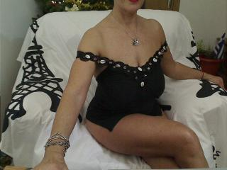 Junonnna - Webcam live exciting with a enormous melon Lady over 35