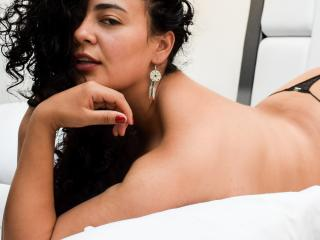 PersephoneAbadd - online show hard with a latin american College hotties
