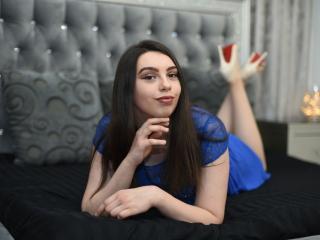 GenevieveLove girl smut on webcam