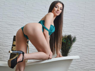 NastyJessyca - Web cam exciting with this brown hair Sexy girl