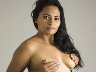 ShayraHotX - Sexy live show with sex cam on XloveCam®
