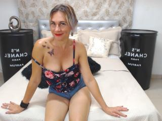 ChelyBlondex - Show hard with this platinum hair Lady over 35