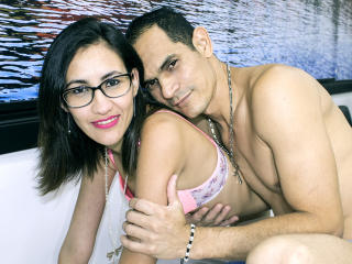 KlooyXSilver - Cam sex with this Female and male couple